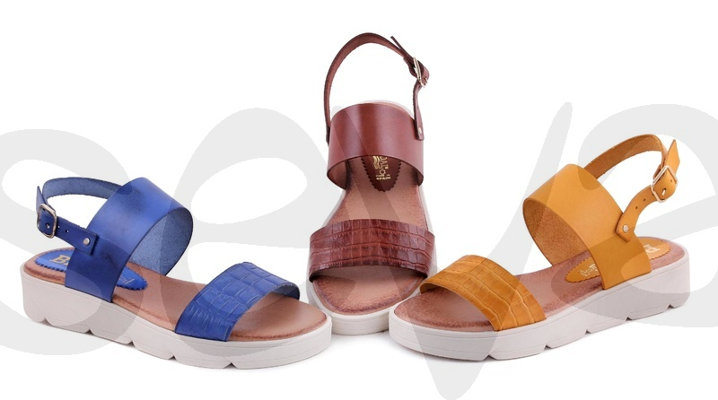 BLUSANDAL              150BLU · SANDAL WOMAN LEATHER